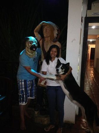 Mariner Inn: Lyn and Tequila pose with Pugman guest.