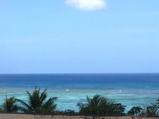 Outrigger Guam Resort: Room 520 view to the right of balcony.  Picture is zoomed in to keep the rooftop from being in t