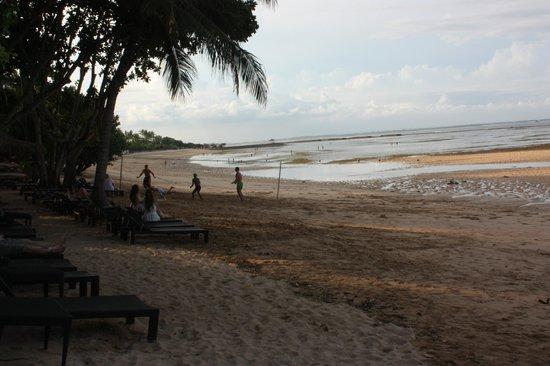 Melia Bali: beach the evening we reached