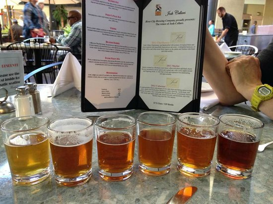 River City Brewing Company: Beer sampler