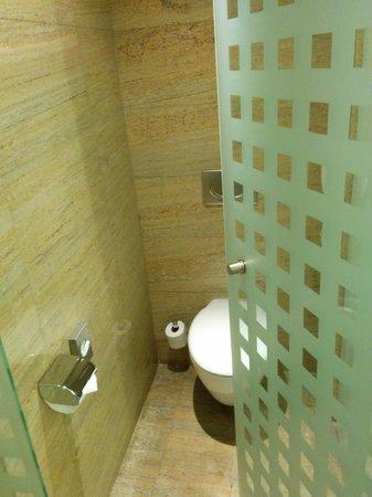 Hotel Meliá Valencia: Baño