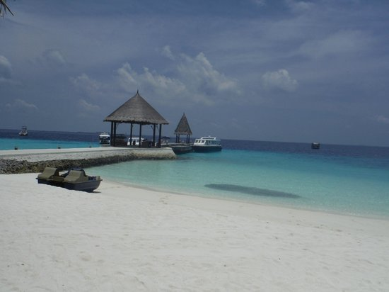 Jumeirah Vittaveli : View of the Beach