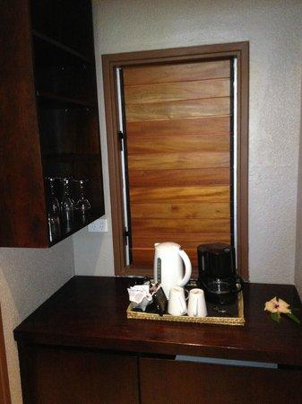 Matamanoa Island Resort : Coffee & Tea service in room