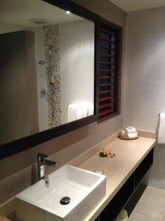 Matamanoa Island Resort : Standard room bathroom