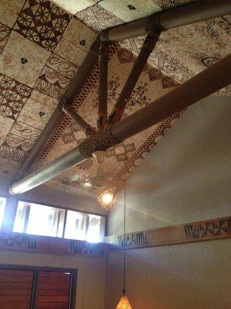 Matamanoa Island Resort : Tapa ceiling