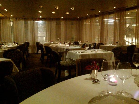 Dan Tel Aviv Hotel: Hayarkon Restaurant interior