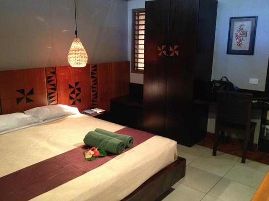 Matamanoa Island Resort : Standard room - armoire with electronic safe