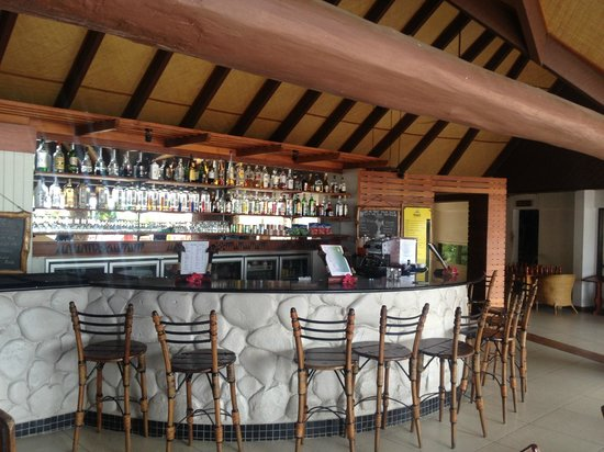 Matamanoa Island Resort : Bar area - great daily tropical specials