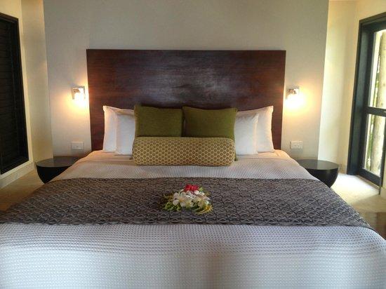 Matamanoa Island Resort : Bed in a Villa