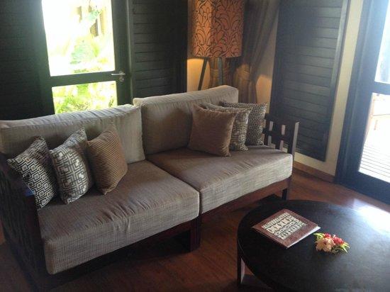 Matamanoa Island Resort : Living Area in villas