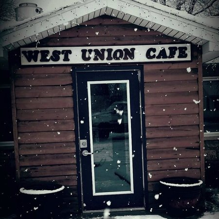 West union cafe west union illinois: The front door in a snowstorm