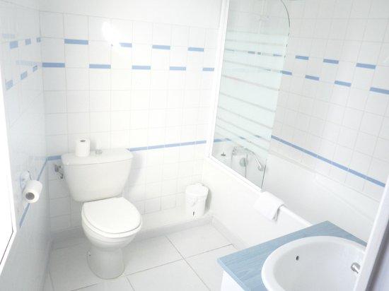 Hotel Francois 1er : Salle de bain