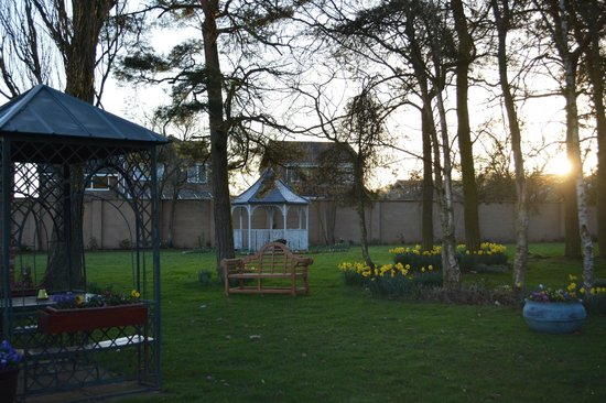 Bowburn Hall: The gazebo at the gardens outside