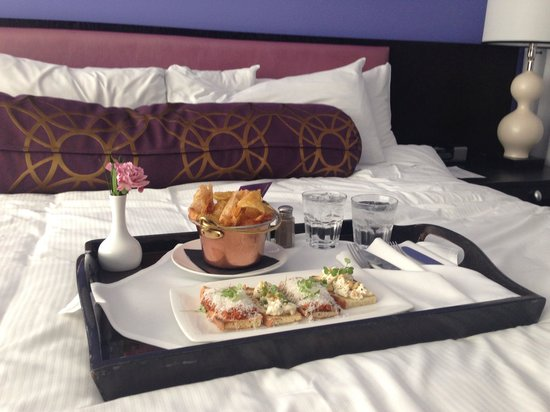 Opus Hotel : Our room service