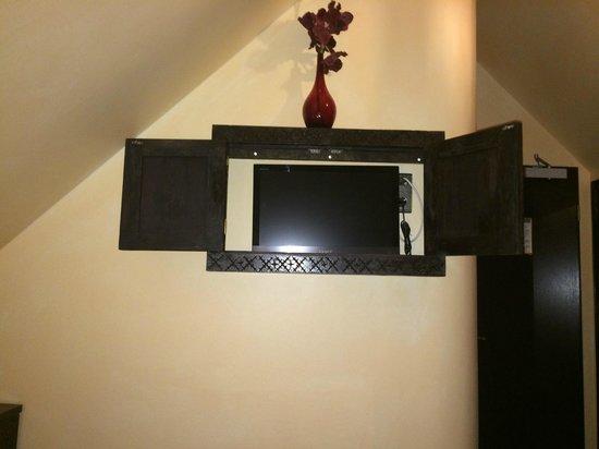 placard minimaliste picture of hotel villa oriental frankfurt tripadvisor. Black Bedroom Furniture Sets. Home Design Ideas
