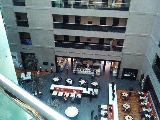 Centro Sharjah: Вид на шведский стол