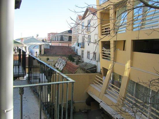Suico Atlantico Hotel: Вид из окна (балкончик в соседнем номере)