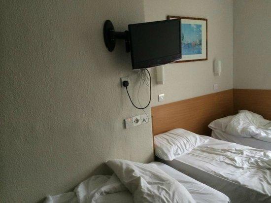 Lords Hotel: Fjernsyn bl.a.