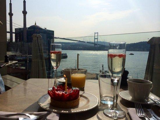 The House Hotel Bosphorus: Beautiful breakfast terrace