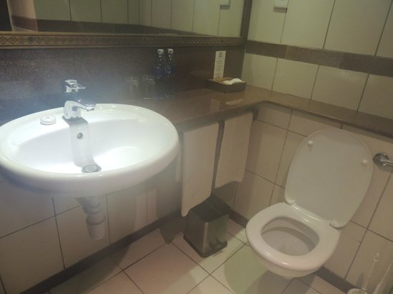 Diani Sea Resort : bathroom