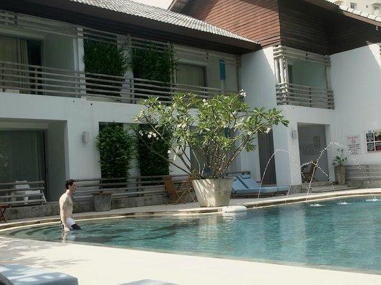 Ramada Phuket Southsea: pool