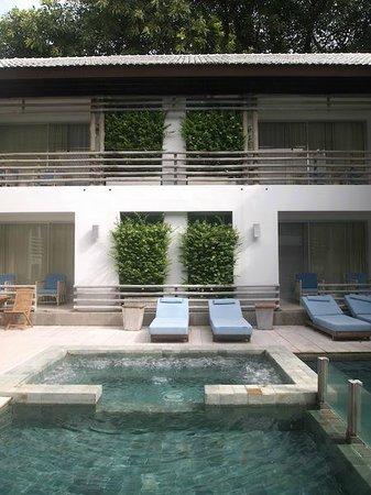 Ramada Phuket Southsea : Rooms facing the pool