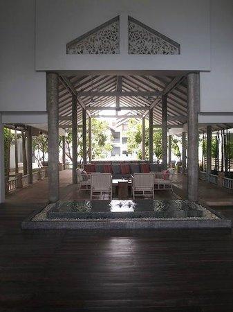 Ramada Phuket Southsea : entrance