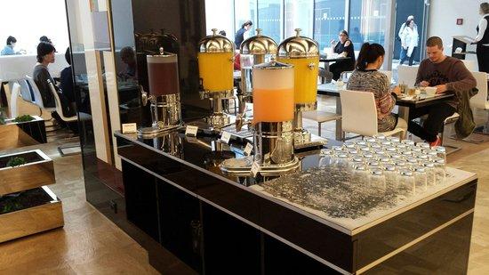 Grandior Hotel Prague: Breakfast Juices.