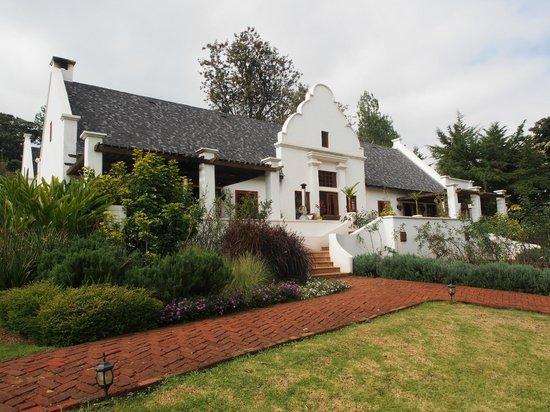The Manor at Ngorongoro : Plantation style architecture