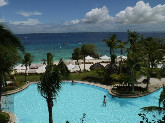 Shangri-La's Mactan Resort & Spa: View from our room terrace