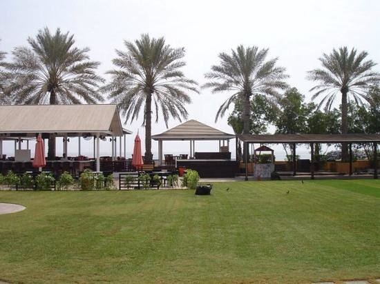 "Hilton Fujairah Resort: look from pool to ""breezes"" bar area."