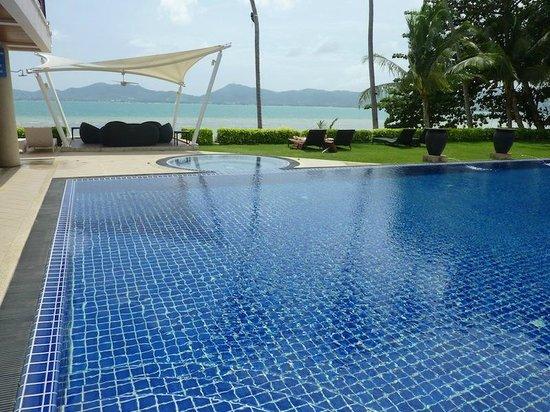 Cloud19 Beach Retreat : cool pool area