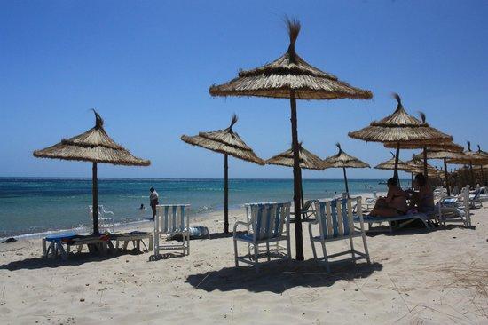 Sun Holiday Beach Club: Plaża