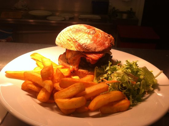 Blagdon Inn: What a burger