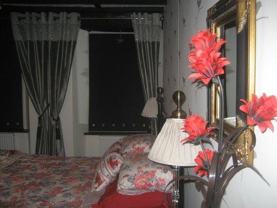 La-Gallerie Bed and Breakfast: Our room