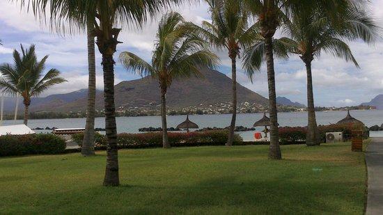 Sands Suites Resort & Spa: Nice garden