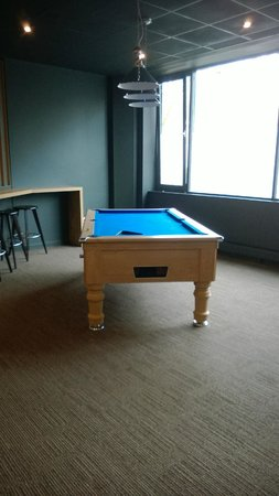 Ibis Portsmouth Centre: pool table