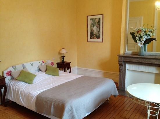 Chambres d'Hotes les Terrasses de l'Enclos: superior room