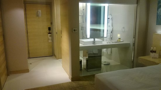 DoubleTree by Hilton Kuala Lumpur : View of bathroom from the room