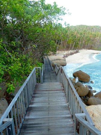 Silavadee Pool Spa Resort: Arrivée pour l'accès à la plage