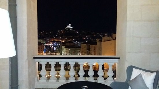 InterContinental Marseille - Hotel Dieu: Vue terrasse de nuit