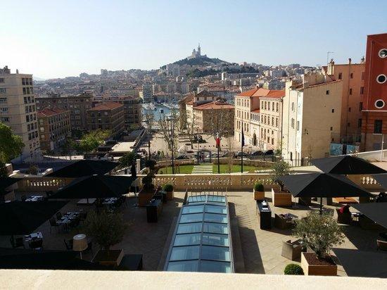 InterContinental Marseille - Hotel Dieu: Vue de la terrasse