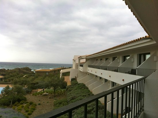 Hotel Sol Ixent: View from our balcony of other hotel rooms