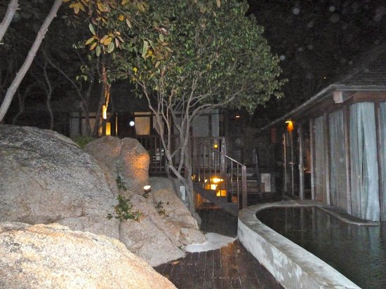 Silavadee Pool Spa Resort: Villa suite vue océan .Belle intégration dans le roc
