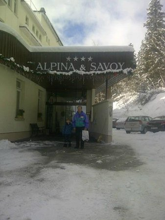 Hotel Alpina & Savoy : hotel entrance