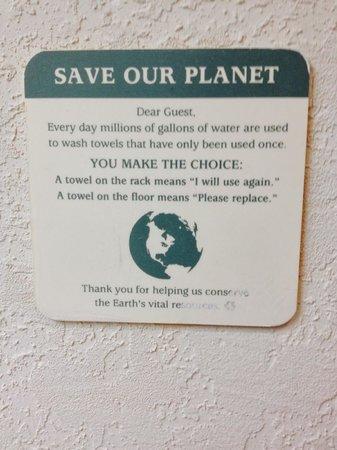 Hotel Roma Golden Glades Resort: Bathroom sign...?