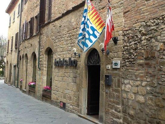 Facciata dell'Hotel San Lino
