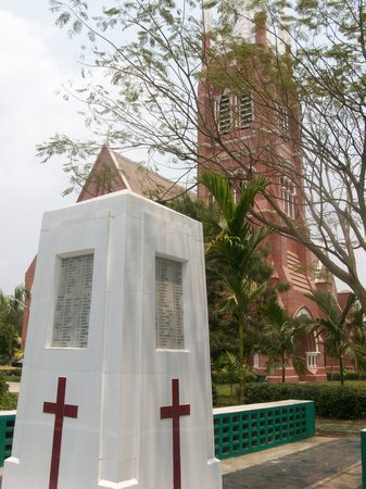 Holy Trinity Cathedral : Cathedral and WWII Memorial