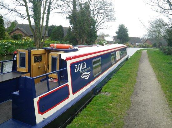 Aqua Narrowboats: Mooring at Alrewas