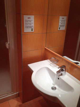 Hotel Abito: bathroom